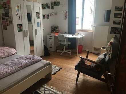 Sanierte und voll möblierte 1,5-Zimmer Altbauwohnung in Stutensee
