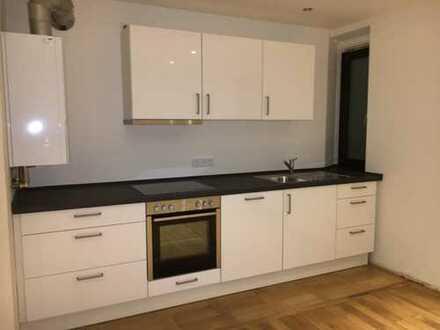 Erstbezug nach Kernsanierung mit neuer Einbauküche: schöne 3-Zimmer-Wohnung mit Wohnküche möbliert