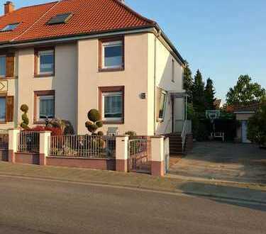 Schönes, geräumiges Haus mit sechs Zimmern in Südliche Weinstraße (Kreis), Edenkoben