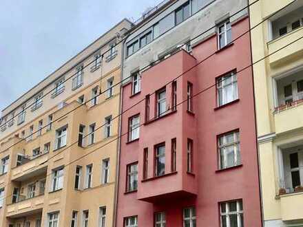 Großzügige Wohnung im Zentrum Prenzlauer Berg +++ bezugsfrei nach Vereinbarung