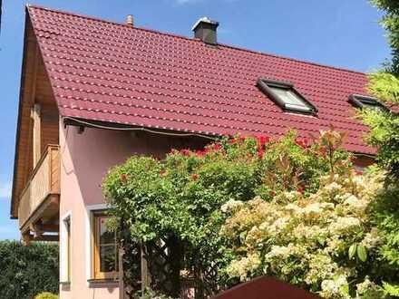 """Schönes """"möbliertes"""" Haus mit 8 Zimmern in Neustadt a.d. Waldnaab"""