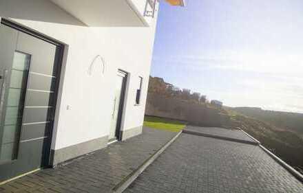 Neubau 4-Zimmer Erdgeschoss Wohnung mit Terrasse