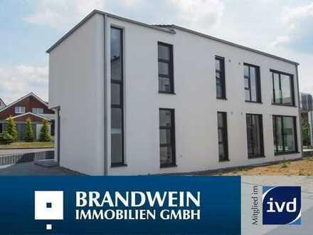 Neubau-Erstbezug! Lichtdurchflutete Wohnung in einem 2 Fam. Haus in Hiddenhausen