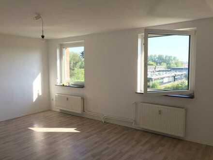 Helle 2 Zimmer Eigentumswohnung in zentraler Lage, frisch Renoviert - ohne Provision