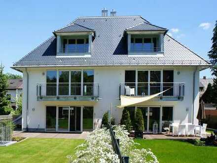 Außergewöhnlich großzügige Doppelhaushälfte am Perlacher Forst