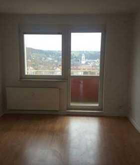 Schöne Zweiraumwohnung mit Balkon im DG mit herrlichem Ausblick...