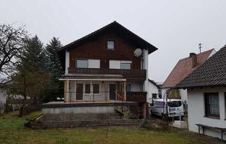 Teilmodernisierte 5-Zimmer-Wohnung mit Balkon in Manching-Oberstimm