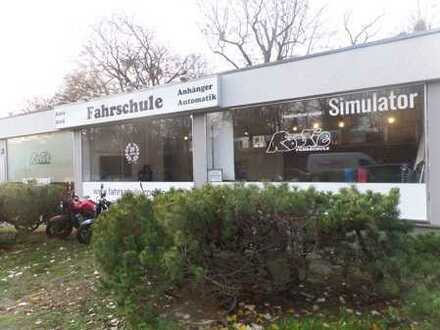 ***Attraktives Gewerbe in Zehlendorf zu verkaufen mit langjährigem solventen Mieter***
