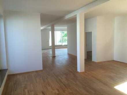 Schöne 4-Zimmer-Wohnung mit Balkon in der Oldenburger Fußgängerzone