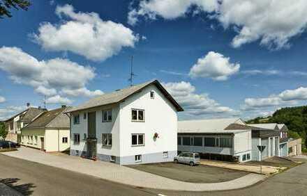Hallschlag: ca. 7396m² Fläche mit bis zu 141kEUR/Jahr Free Cashflow + ca. 16% Rendite