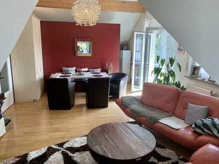 Charmante drei Zimmer DG-Wohnung zum Wohlfühlen in München (Kreis), Hohenbrunn