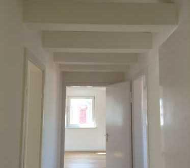 NEU sanierte 2 Zimmer DG-Wohnung Erstbezug