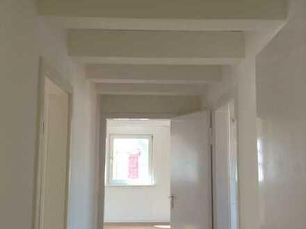 """2 Zimmer DG-Wohnung im Altbau """"ohne Balkon""""!"""