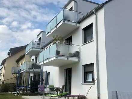 Helle 3-Zimmer DG-Wohnung mit Balkon und Einbauküche in Dettelbach