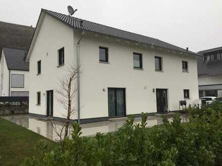 Neuwertige 4-Zimmer-Wohnung mit Balkon und Einbauküche in Malterdingen