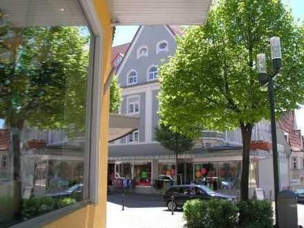 Tolle 2-Zimmer-  Stadtwohnung (Karlstraße) Wohn-/und Geschäftshaus  mit Fahrstuhl/Nr. 7