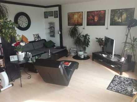 Ansprechende 3-Zimmer-Maisonette-Wohnung mit 3 Balkonen in Köln Holweide