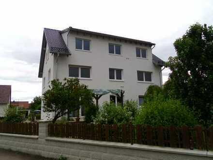 Schöne 3,5-Zimmer-Wohnung mit Balkon und Einbauküche in Pfaffenhofen