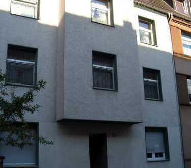Helle gemütliche, toprenovierte, 2,5 Raum Wohnung