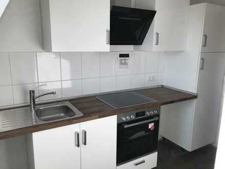 4 Zimmer, KDB kernsanierter Dachgeschoss 70 m² in Uninähe