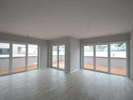 Penthouse Wohnung - über Allem - hell, hell, noch heller - NEU ab 15.08.2020 oder später - 3 Zimmer