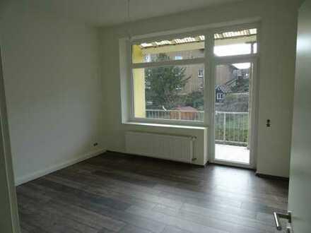 Erstbezug nach Sanierung: freundliche 4-Zimmer-Wohnung mit Balkon in Wuppertal Katernberg.