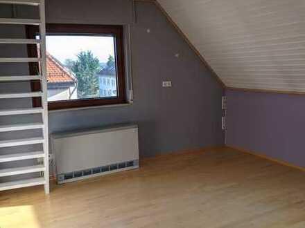 Schöne 3 Zimmer-DG-Wohnung mit Einbauküche in Pforzheim-Büchenbronn