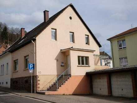 1-Familienhaus 132qm,2Etagen +Speicher +großer trockner Keller mit Zugang zu Garage,saniert
