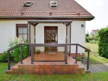 solides Einfamilienhaus, ruhig & idyllisch gelegen!!!!!!!