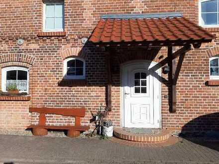 Großzügiges helles Landhaus auf Vierseitenhof mit Möglichkeit zur Pferdehaltung / Tierhaltung