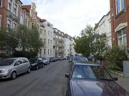 Großzügige, helle 2-Zimmer-Wohnung mit Balkon in Hannover