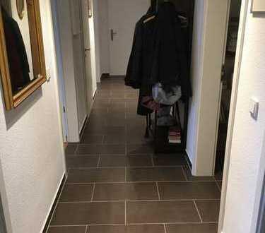 2 Zimmer mit eigenem Duschbad zu vermieten, in gemütlicher 2er Wg mit Katze