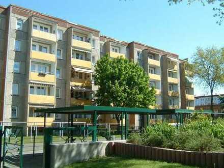 renovierte Seniorenwohnung mit Balkon