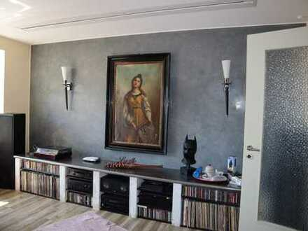 Essen Huttrop-Süd. Aussergewöhnliche Wohnung mit 128 qm inkl. großer Terrasse und Balkon