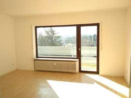 Sonnige 2-Raum-Wohnung mit Balkon in Pirmasens