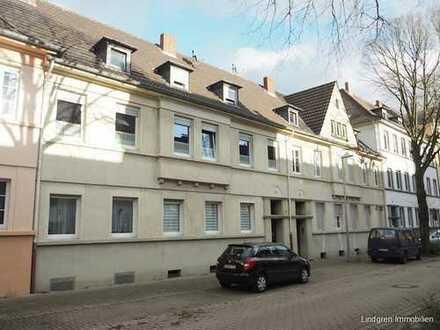 Ruhig gelegene 4-Zimmer-Altbauwohnung mit Garten in Innenstadtnähe!