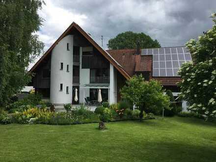 gepflegtes Anwesen mit großem Garten zur individuellen Nutzung