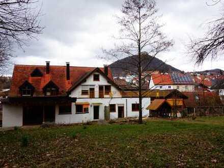 Liebhaberobjekt mit sieben Zimmern in Esslingen (Kreis), Neuffen
