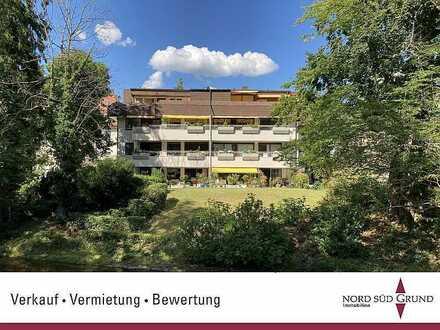 Gepflegte 2-Zimmer-Penthouse-Wohnung, direkt an der Lichtentaler Allee, Lift, TG-Stellplatz