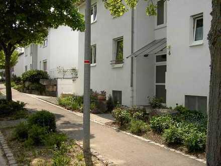 Gepflegte 1,5-Zimmer-Wohnung mit Balkon und Einbauküche in Gärtringen