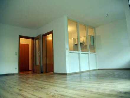 Zentral, hell, ruhig: 1-Zimmer-Wohnung mit netter Terrasse in der Schützenstraße