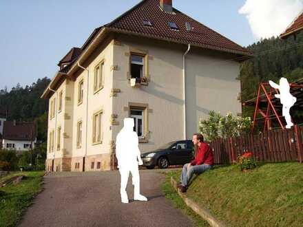 3 ZKB Whg. in Forbach mit Ausblick Schifferstr. 21 46.02 Whg Besichtigung am 13.6.21 von 12 - 14 Uhr