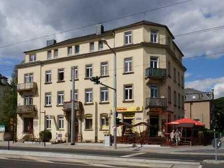 Striesen, Schandauer Straße: kleiner Balkon + Wanne