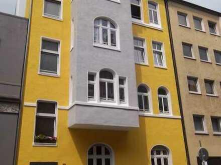 Modernisierte DG-Wohnung (4 Zimmer,Küche,Diele,Bad) im attrakt. Altbau im Gerichtsviertel