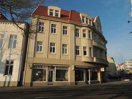 Oldenburg - Stau: schönes Ladengeschäft im Kaiserhaus