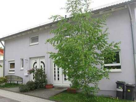 Kleine Doppelhaushälfte in bevorzugter Ortsrandlage in Malsch
