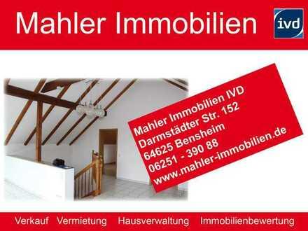 Helles großes und sehr gepflegtes Einfamilienhaus ohne Garten mit PKW Außenstellplatz in Zwingenberg