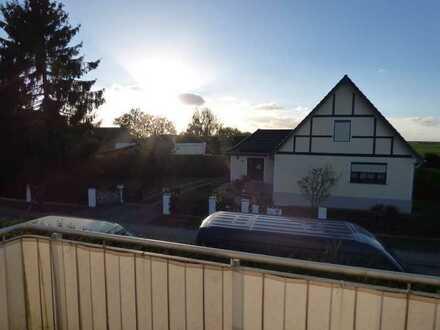 ANFRAGEN ÜBER DAS KONTAKTFELD!! Tolle 2-Zimmer-Dachgeschosswohnung mit Balkon und EBK am Vielitzsee