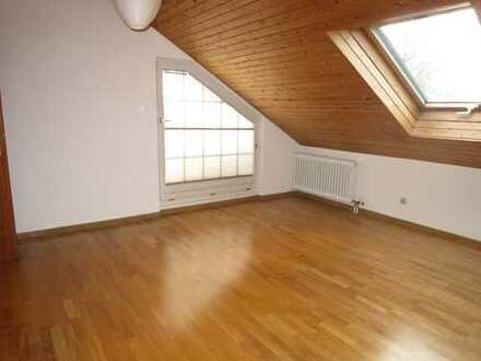 Attraktive 3 Zimmer DG-Wohnung in sehr ruhiger Lage von Eschborn-Niederhöchstadt zu vermieten!