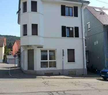 Zentrumsnahe, stilvolle, helle 3-Zimmer-Wohnung in Ebingen (WG-taugl.)